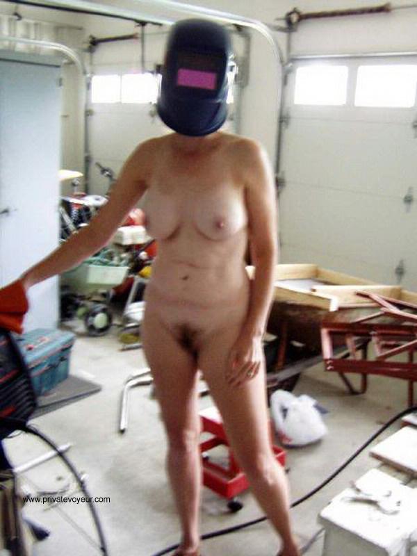 Sexy welding girls can not