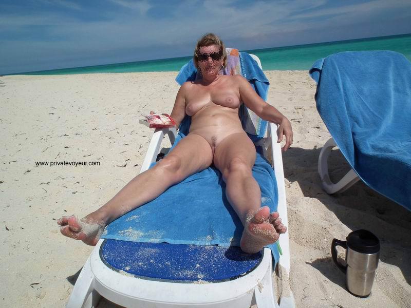 Порнорассказы жена пляж отпуск купальник